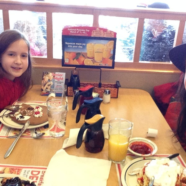 Photo taken at IHOP by Janelle H. on 3/4/2014