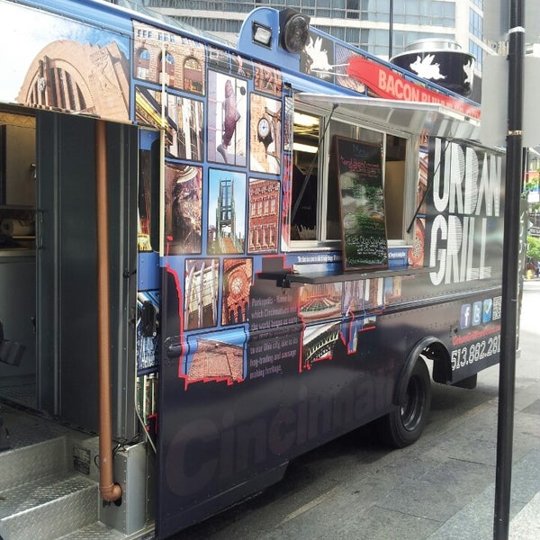 Photo taken at Urban Grill Food Truck by Zeb A. on 6/12/2013