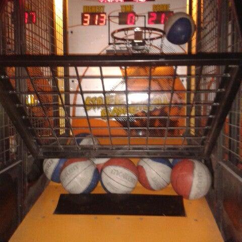 3/26/2013 tarihinde Kemal U.ziyaretçi tarafından Fantasyland Oyun Merkezi & Coffee'de çekilen fotoğraf