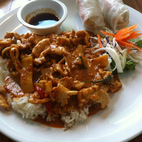 Cha Baa Thai Restaurant - Thai Restaurant in Downtown Halifax