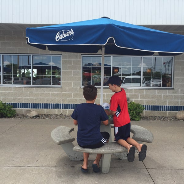 Photo taken at Culver's by Stuart C. on 8/8/2015