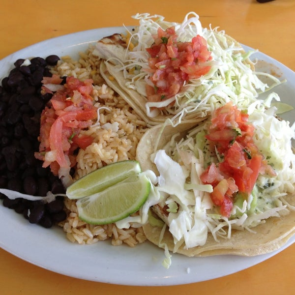 Wahoo 39 s fish taco stapleton 27 tips from 1363 visitors for Suggestions for sides for fish tacos