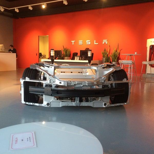 Tesla Motors Den Haag Forepark Neckar 16