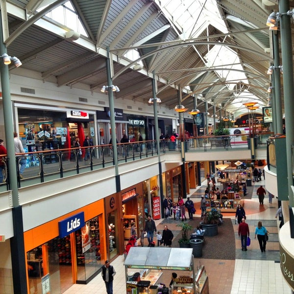 Dulles Town Center is a great mall in Loudoun County. I love visiting and shopping here. I love the interior architecture as well as always have the best shopping experience/5(K).
