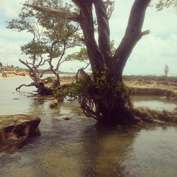 Foto tirada no(a) Praia Mirante da Sereia por Alex C. em 2/20/2013