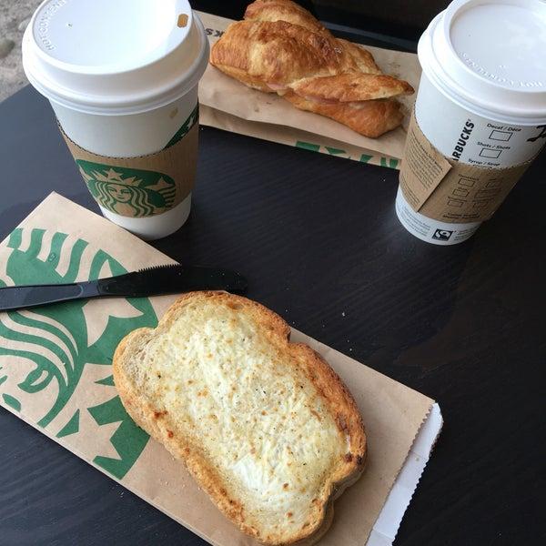 Photo taken at Starbucks by Tinie V. on 5/7/2016
