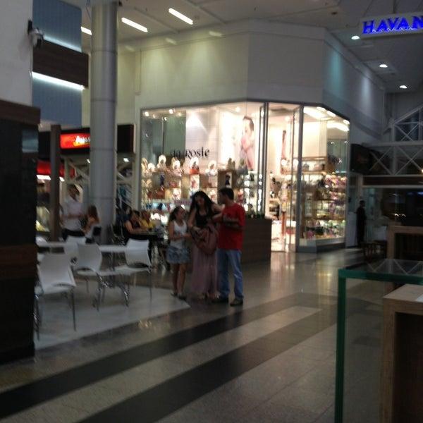 Foto tirada no(a) Shopping Neumarkt por Giovanni S. em 3/12/2013