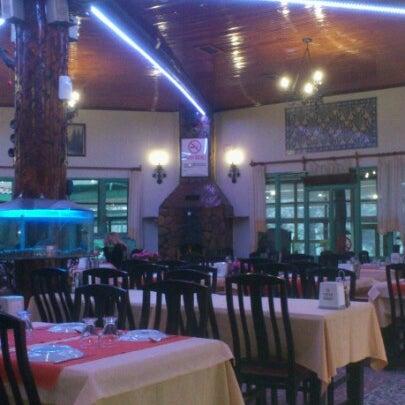 2/27/2013 tarihinde Ilker Y.ziyaretçi tarafından Çamaltı Restaurant'de çekilen fotoğraf