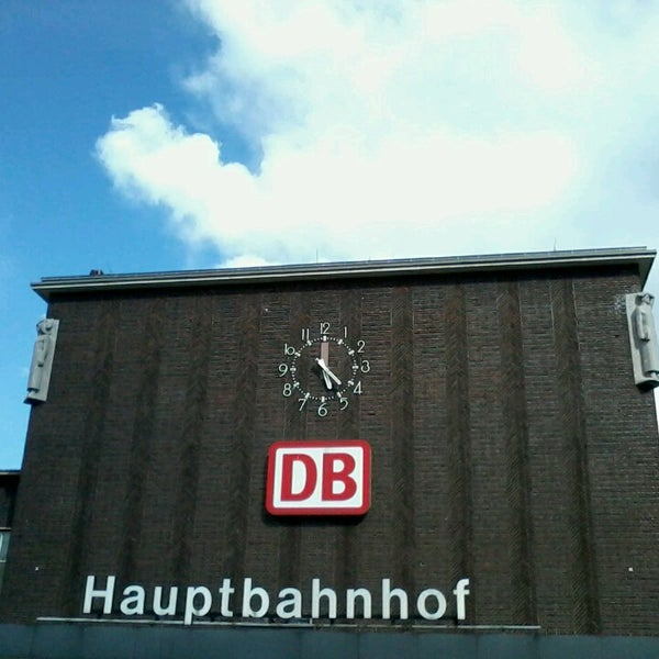 Photo taken at Duisburg Hauptbahnhof by Michael H. on 5/24/2013