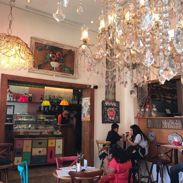 Foto tirada no(a) Florbela Café por Deise P. em 7/30/2017