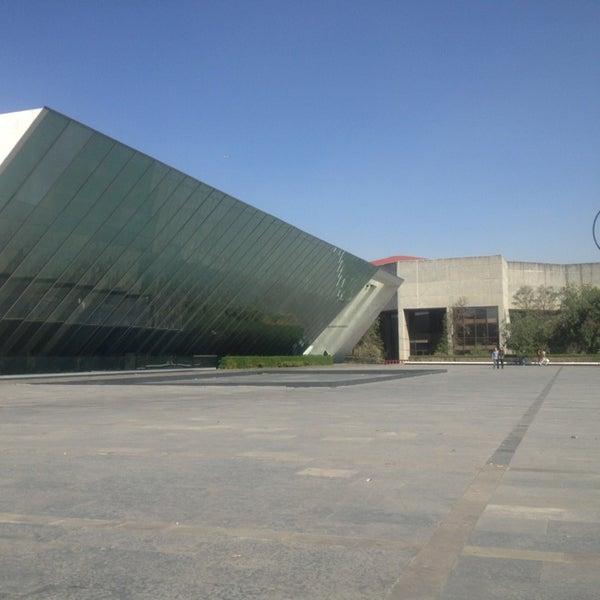 Foto tomada en MUAC (Museo Universitario de Arte Contemporáneo). por Rogelio G. el 2/14/2013