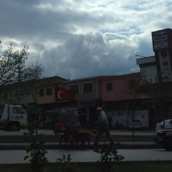 4/16/2013 tarihinde Ahmet K.ziyaretçi tarafından Iyaş Market'de çekilen fotoğraf