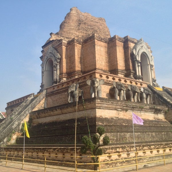 Photo taken at Wat Chedi Luang Varavihara by Jene N. on 1/6/2013