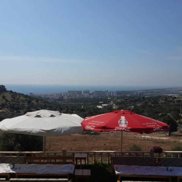 Photo taken at Cennet Koyağı Kahvaltı Evi by Cemal K. on 5/25/2014