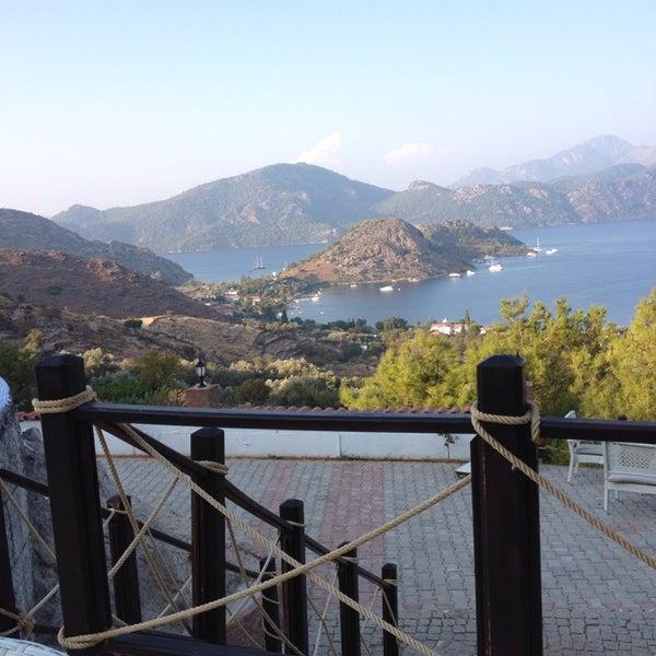 รูปภาพถ่ายที่ Loca Hotel โดย Zehra B. เมื่อ 8/11/2013