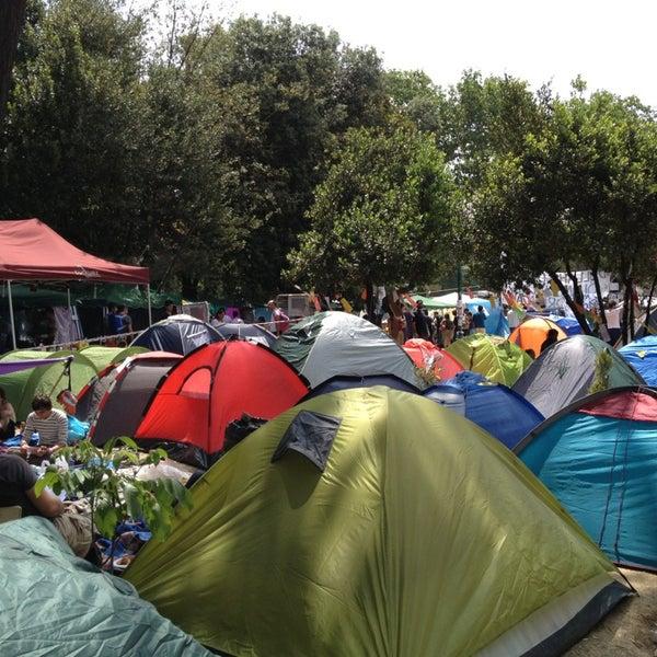6/8/2013にKöksal Y.がTaksim Gezi Parkıで撮った写真