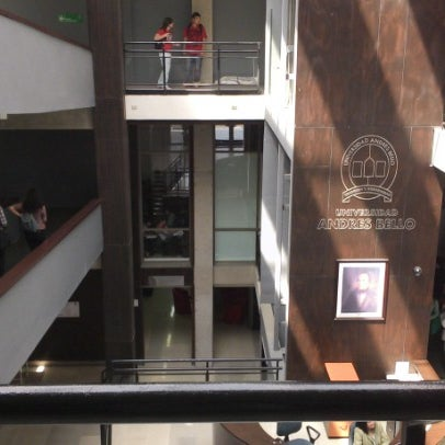 Foto tomada en Universidad Andrés Bello por Dusan A. el 11/21/2012