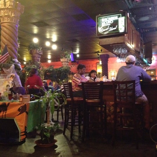 Photo taken at Mamacitas Mexican Restaurant by David S. on 10/6/2012
