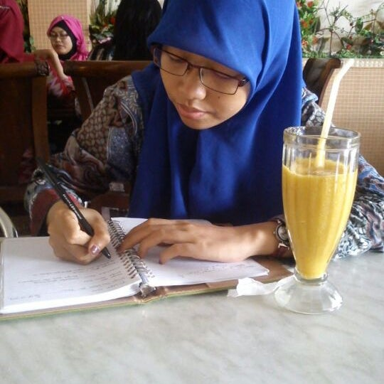 Photo taken at Mawar Bakery and Cake Shop by Putri T. on 5/3/2013