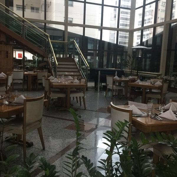Foto tirada no(a) Matsubara Hotel por Cristiano M. em 10/7/2016