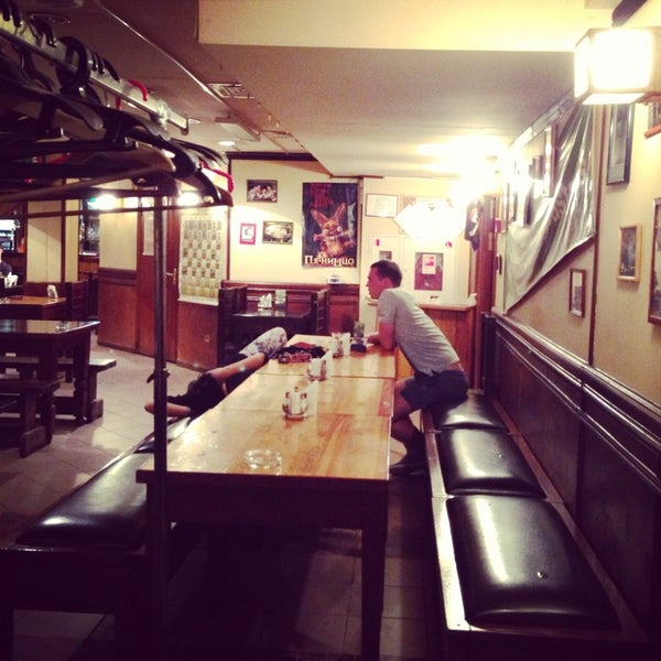 Снимок сделан в Molly Malone's Pub пользователем Georgy S. 6/9/2013