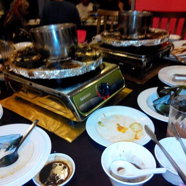 Photo taken at Mak Engku Steamboat & Grill by Redzuan W. on 6/28/2014