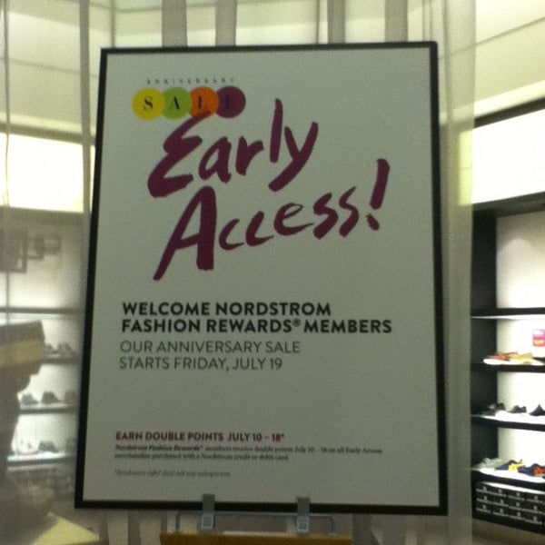 Photo taken at Nordstrom Galleria Dallas by Lili H. on 7/10/2013