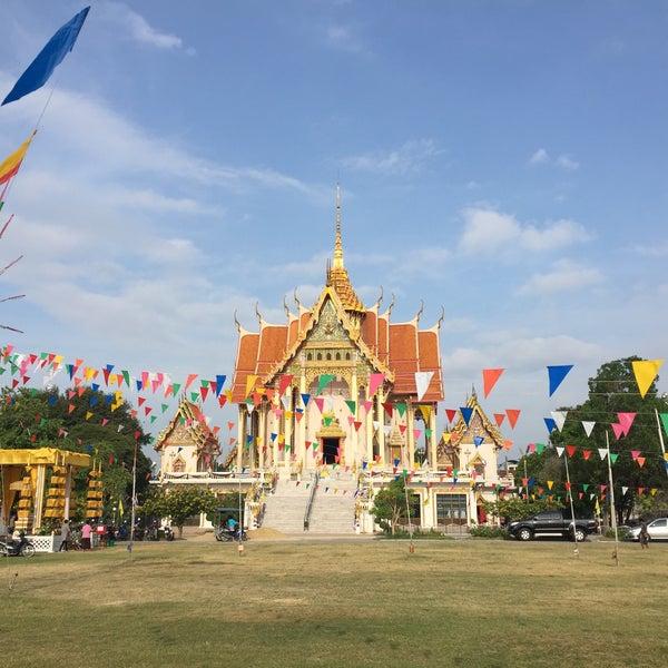 Photo taken at วัดดอนตูม บ้านโป่ง by Mc M. on 4/14/2017