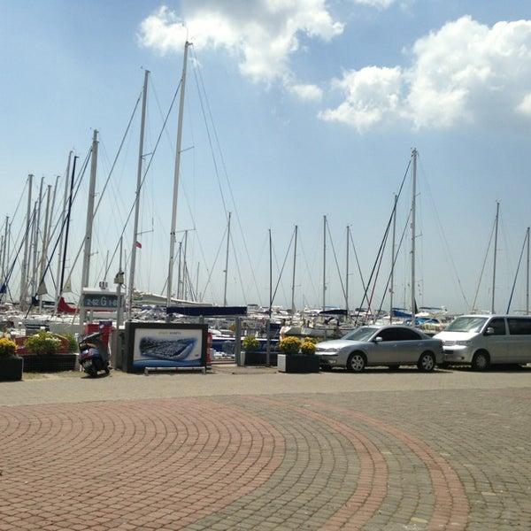 7/3/2013 tarihinde Yücel Ö.ziyaretçi tarafından Ataköy Marina'de çekilen fotoğraf
