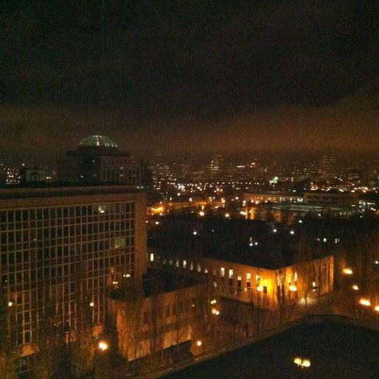 Photo taken at DoubleTree by Hilton Hotel Portland by Gwen J. on 11/15/2012