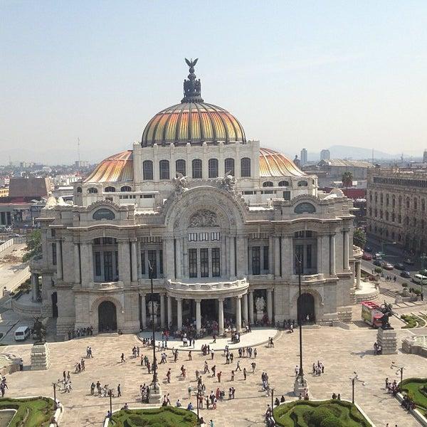 Foto tomada en Palacio de Bellas Artes por Tono I. el 4/28/2013
