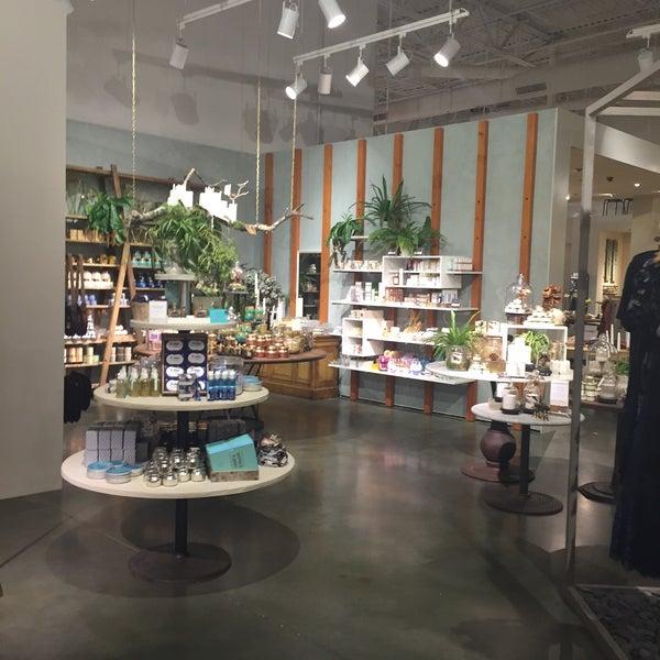 Women's Store In Green Hills