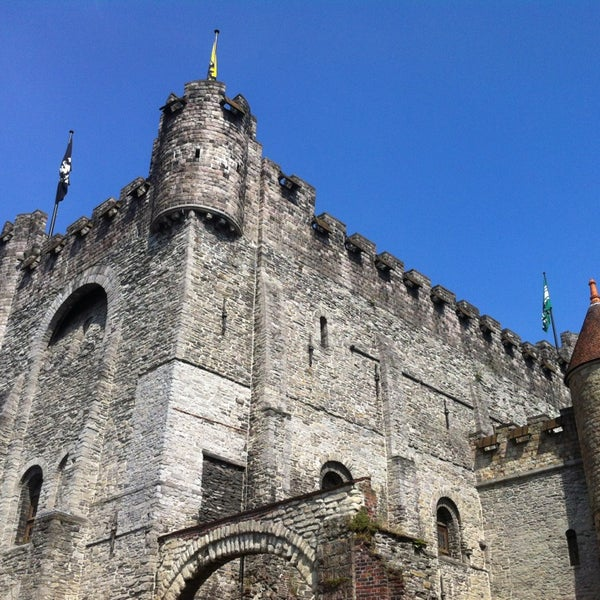 Photo taken at Castle of the Counts by Isadora Z. on 7/15/2013