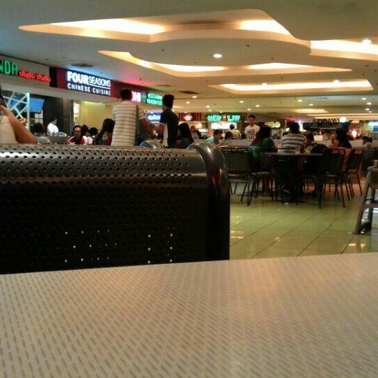 Photo taken at SM Food Court by Khang B. on 5/17/2016