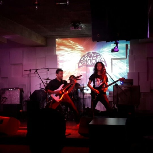Photo taken at Indigo Live - Music Bar by Anand on 1/14/2015
