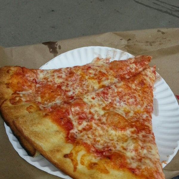 Photo taken at 99¢ Fresh Pizza by Brian P. on 5/17/2013