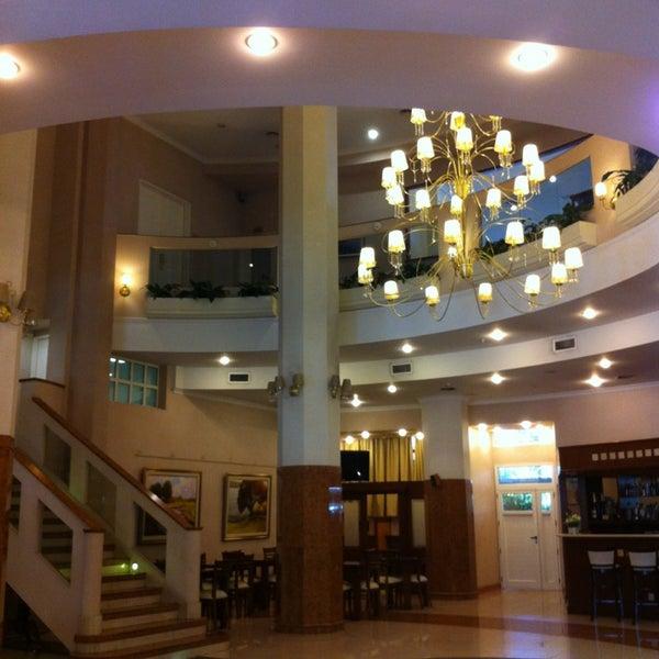 Foto tomada en InterTower Hotel por Flavia G. el 1/15/2013