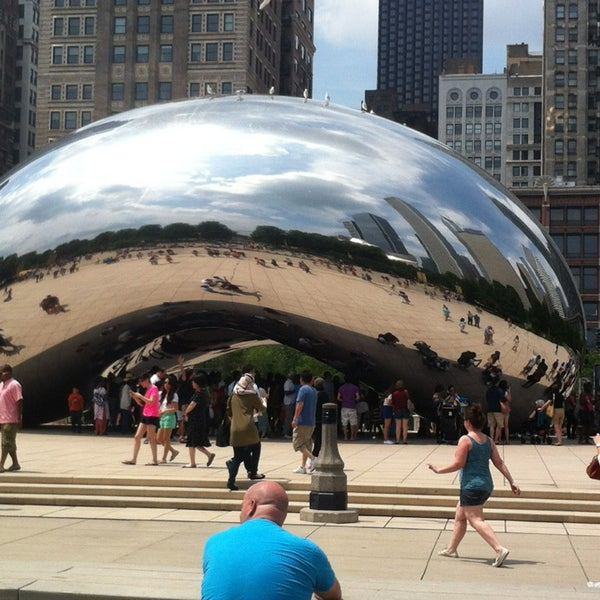 Photo taken at Cloud Gate by Anish Kapoor by Kong T. on 7/4/2013