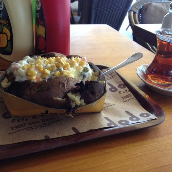 4/17/2013 tarihinde Merve P.ziyaretçi tarafından Dodo Cafe & Pub'de çekilen fotoğraf