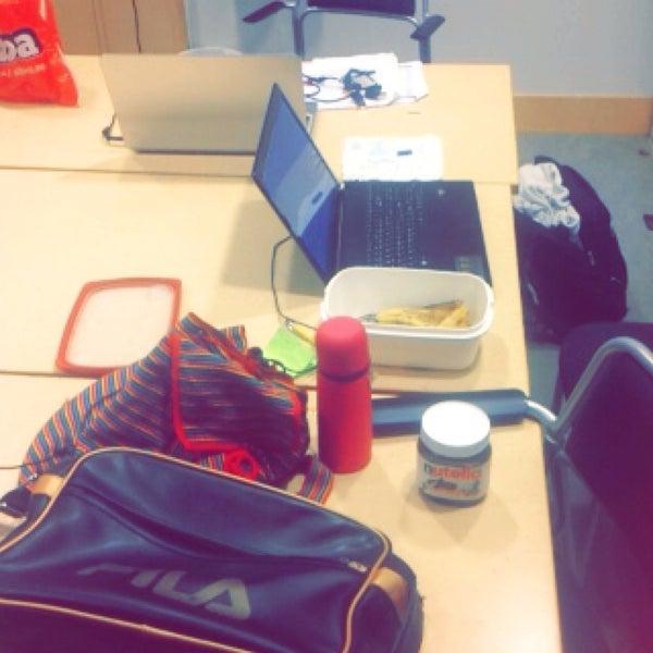 Снимок сделан в Ångströmlaboratoriet пользователем Hiba A. 10/4/2014
