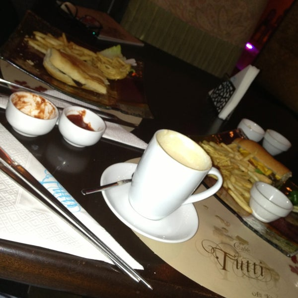 Photo taken at Tutti Cafè by نُ🕰 on 5/21/2013