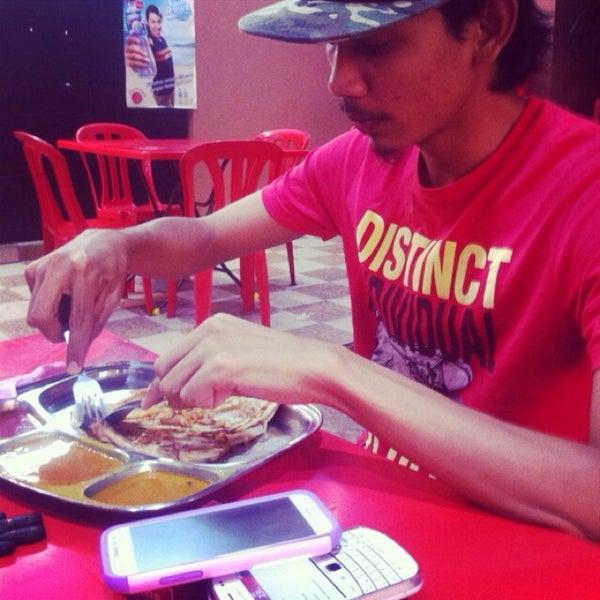 Photo taken at Restoran Al-Naz Maju by Izz T. on 2/9/2014