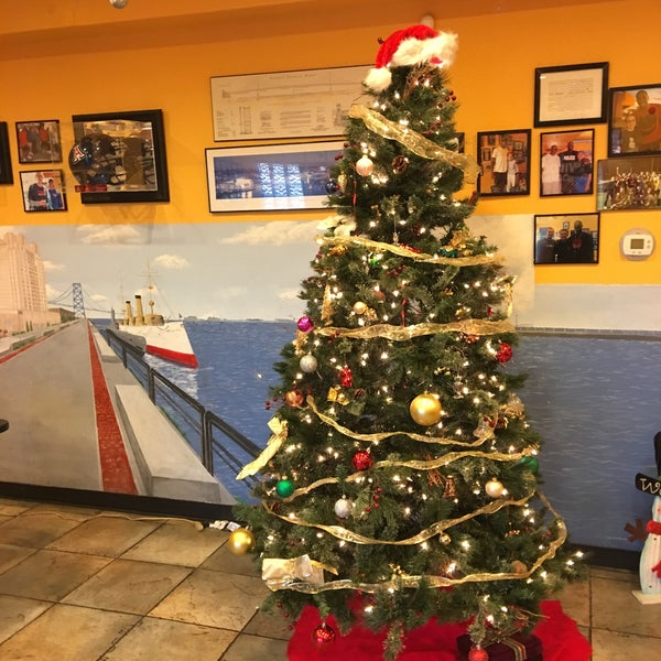 Photo taken at Frankie's South Philly Cheesesteaks and Hoagies by Andolini C. on 12/1/2016