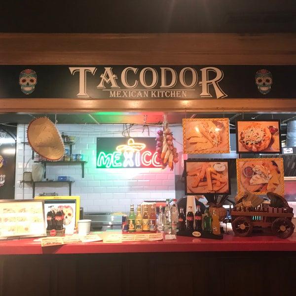 Снимок сделан в Tacodor - Mexican Food пользователем Arthur C. 11/20/2017
