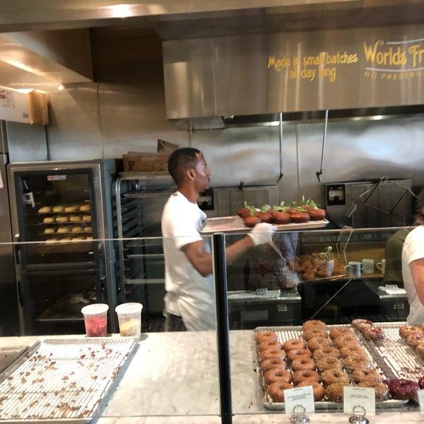 Photo prise au Sidecar Doughnuts & Coffee par Jacquelin H. le8/11/2018