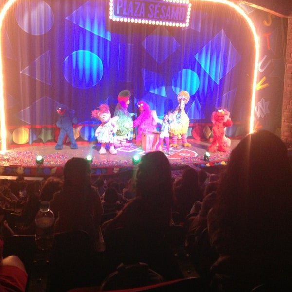 Foto tirada no(a) Teatro Aldama por PaoLa M. em 4/7/2013