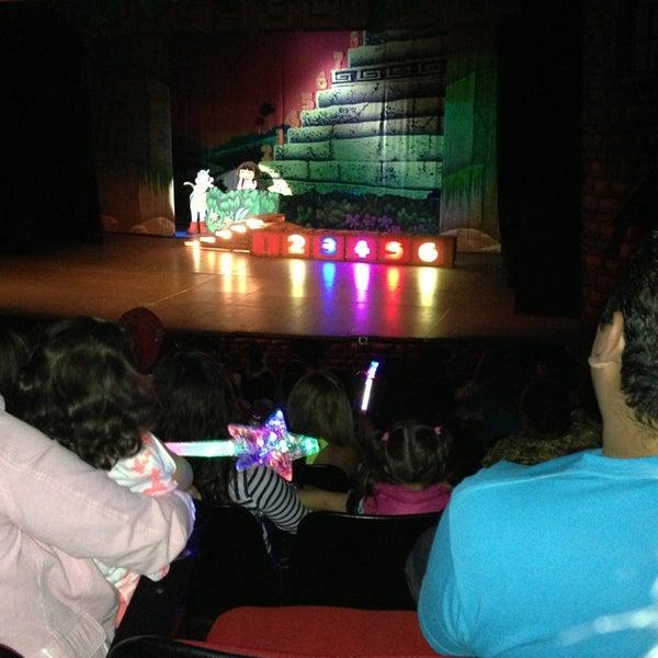 Foto tirada no(a) Teatro Aldama por PaoLa M. em 3/24/2013