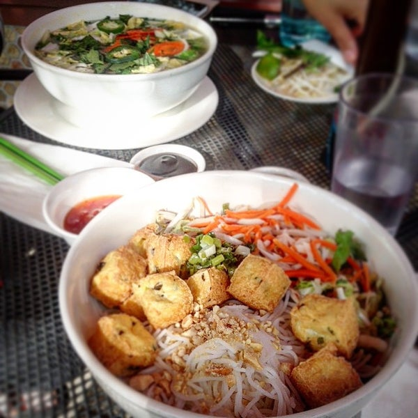 Mekong vietnamese restaurant in sellwood moreland for Authentic thai cuisine portland or