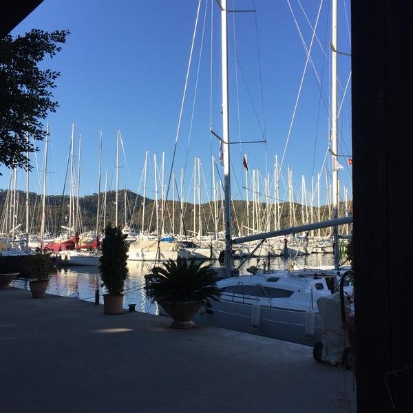 12/18/2016 tarihinde Gül S.ziyaretçi tarafından Mod Yacht Lounge'de çekilen fotoğraf