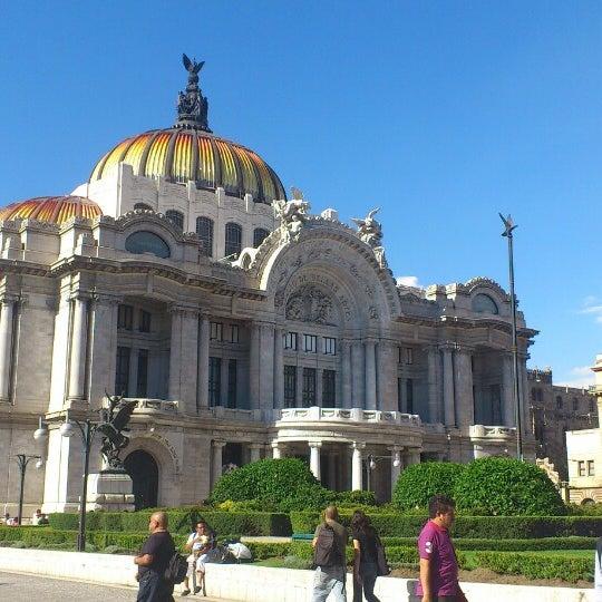 Foto tomada en Palacio de Bellas Artes por Ozzy V. el 7/28/2013